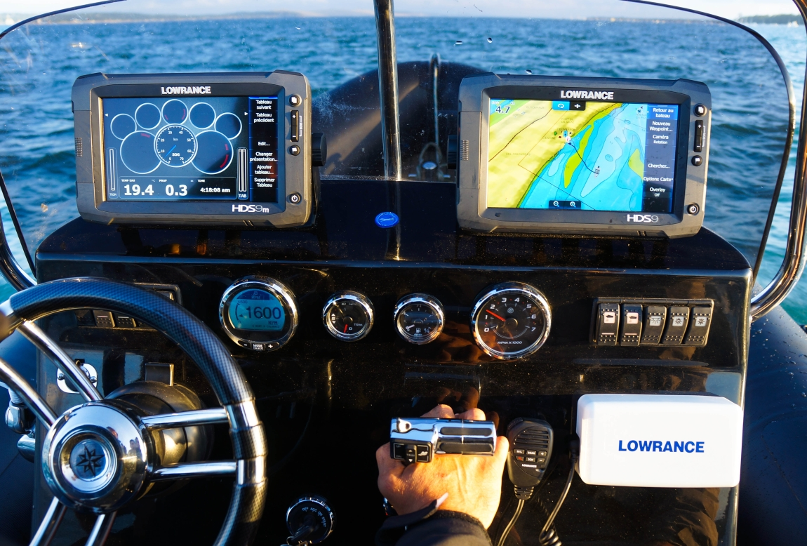 Electronique_Lowrance.jpg